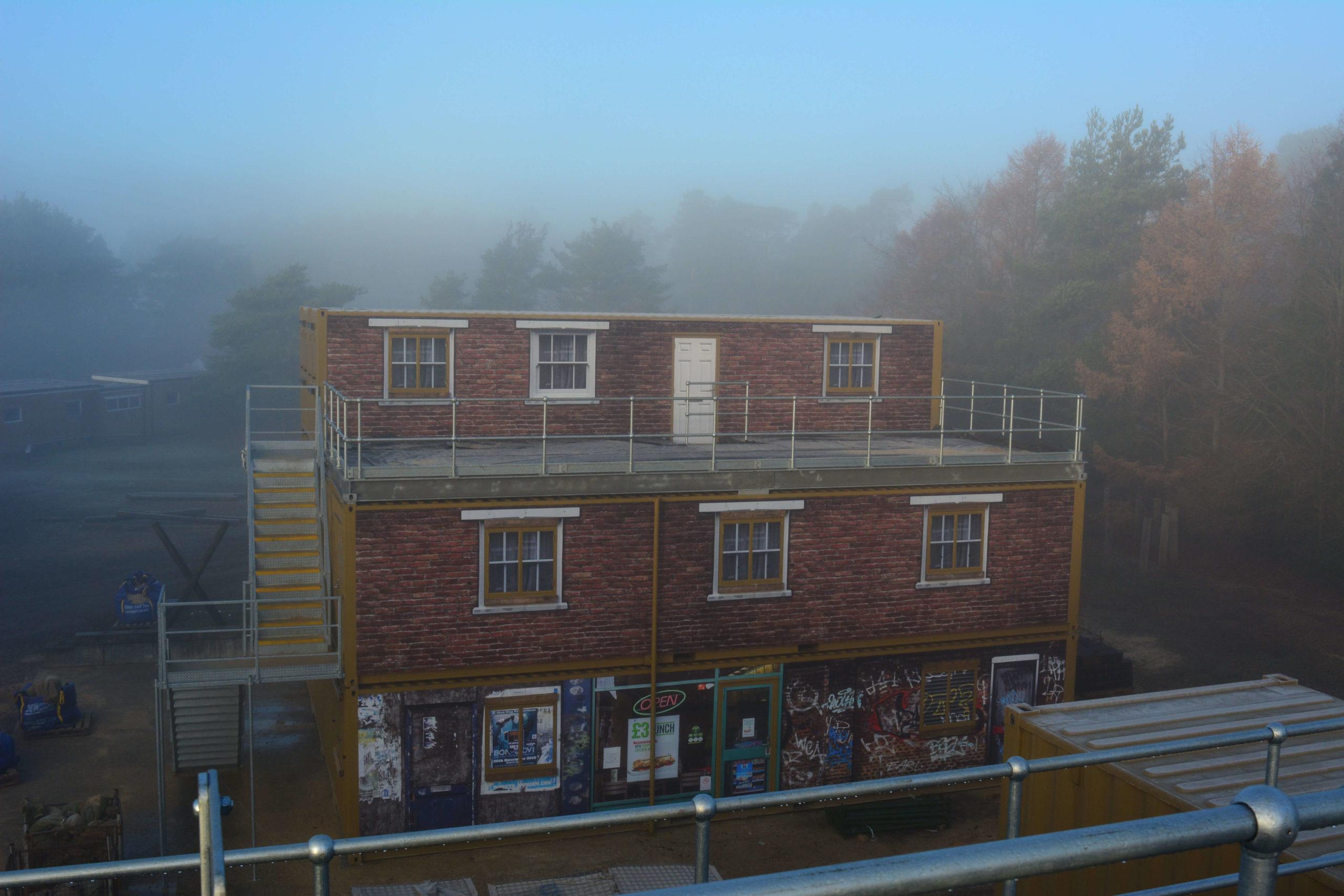Träningsanläggning som simulerar ett bostadshus..